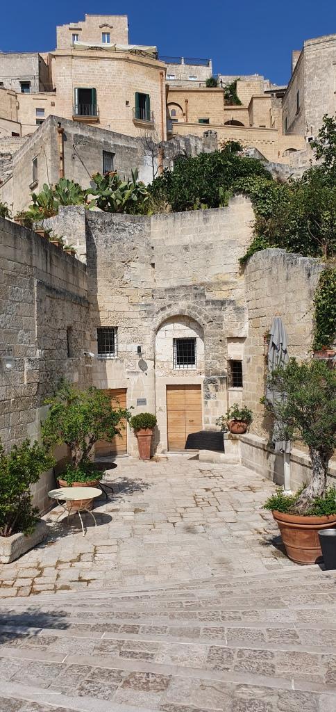 Entrance Baccanti, Matera