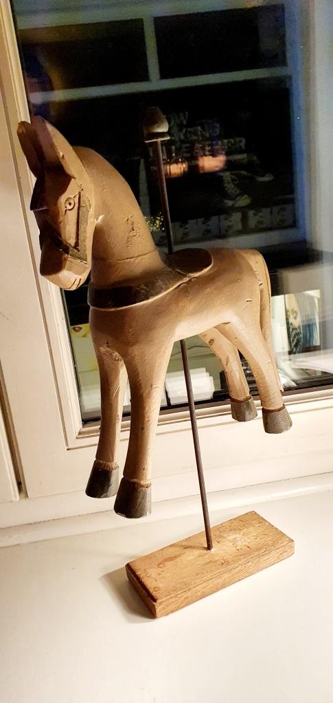 Il Gattopardo Zurich, wooden horse
